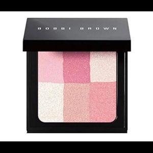 Bobbi Brown Brightening Brick # 05 Pastel Pink